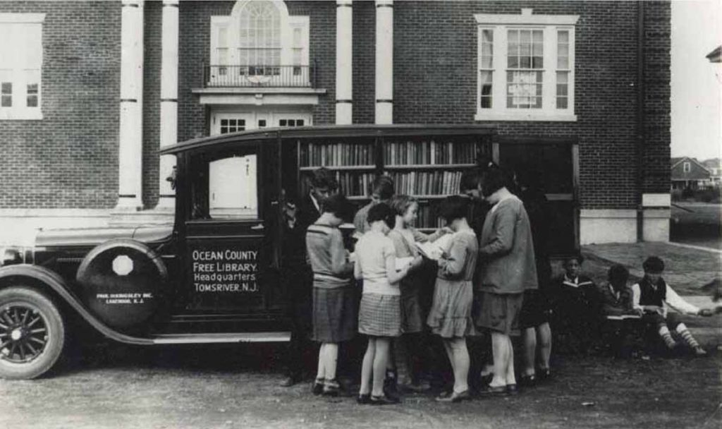 Bookmobile 1929